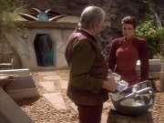 extant_StarTrekDS9_1x15-Progress_03471.jpg