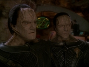 extant_StarTrek_DS9_7x22-TackingIntoTheWind_0072.jpg